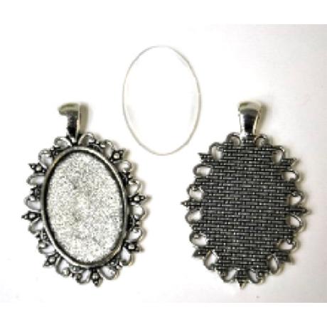 Medál ovál rusztikus antik ezüst színű  + 20*30 mm lencse