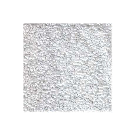Miyuki Delica 11/0, Fehér gyöngyház, 5 g