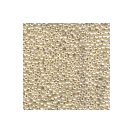 Miyuki kásagyöngy 8/0   8-9592  Elefántcsont ceylon  5 g